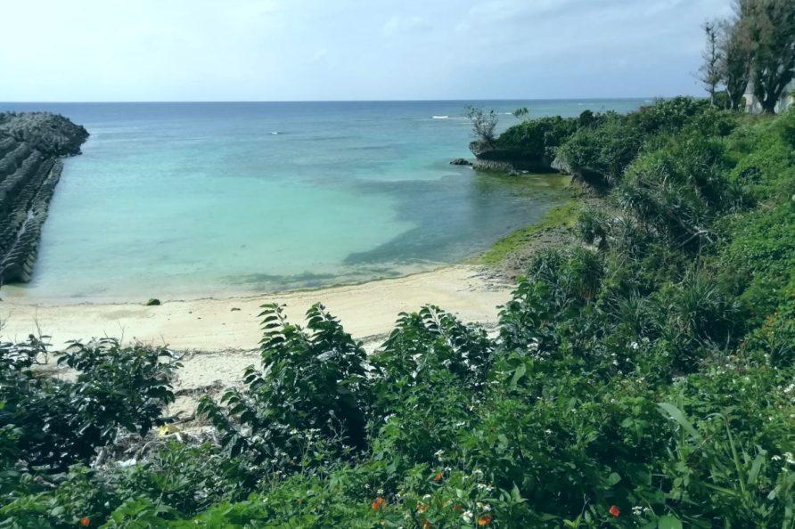 都屋の海 裏手のビーチ