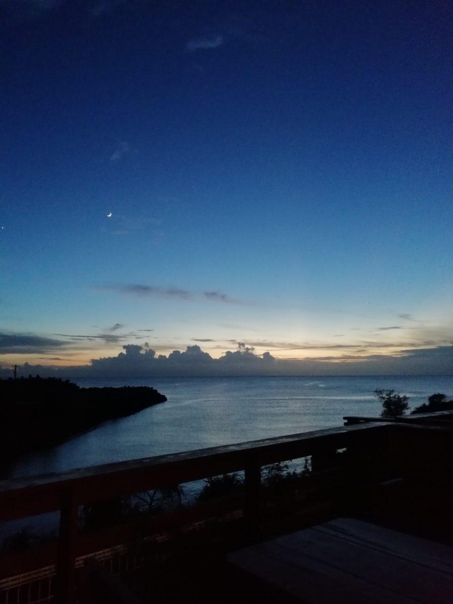 都屋の海 夕方 バルコニー